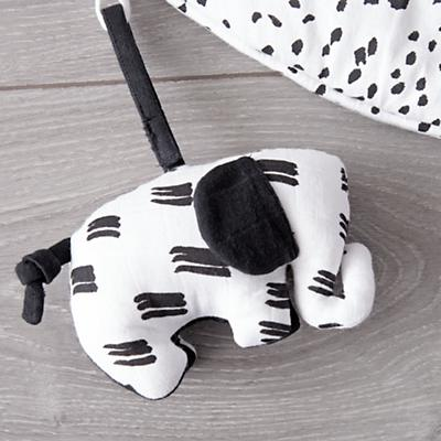 Baby_Toys_Mat_with_Rattles_Black_and_White_Details_V1