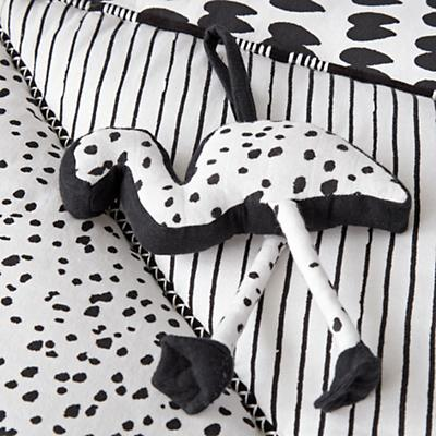 Baby_Toys_Mat_with_Rattles_Black_and_White_Details_V2