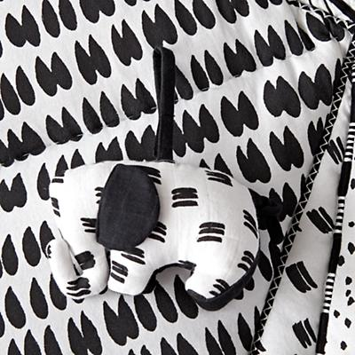 Baby_Toys_Mat_with_Rattles_Black_and_White_Details_V8