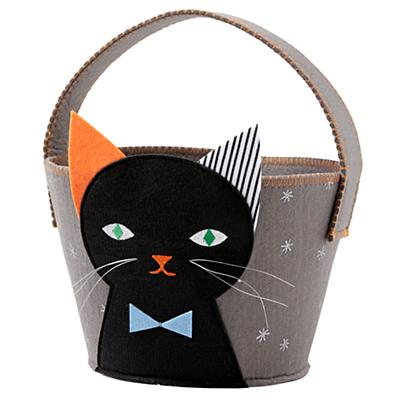 Basket_Not_Too_Scary_Black_Cat_Silo