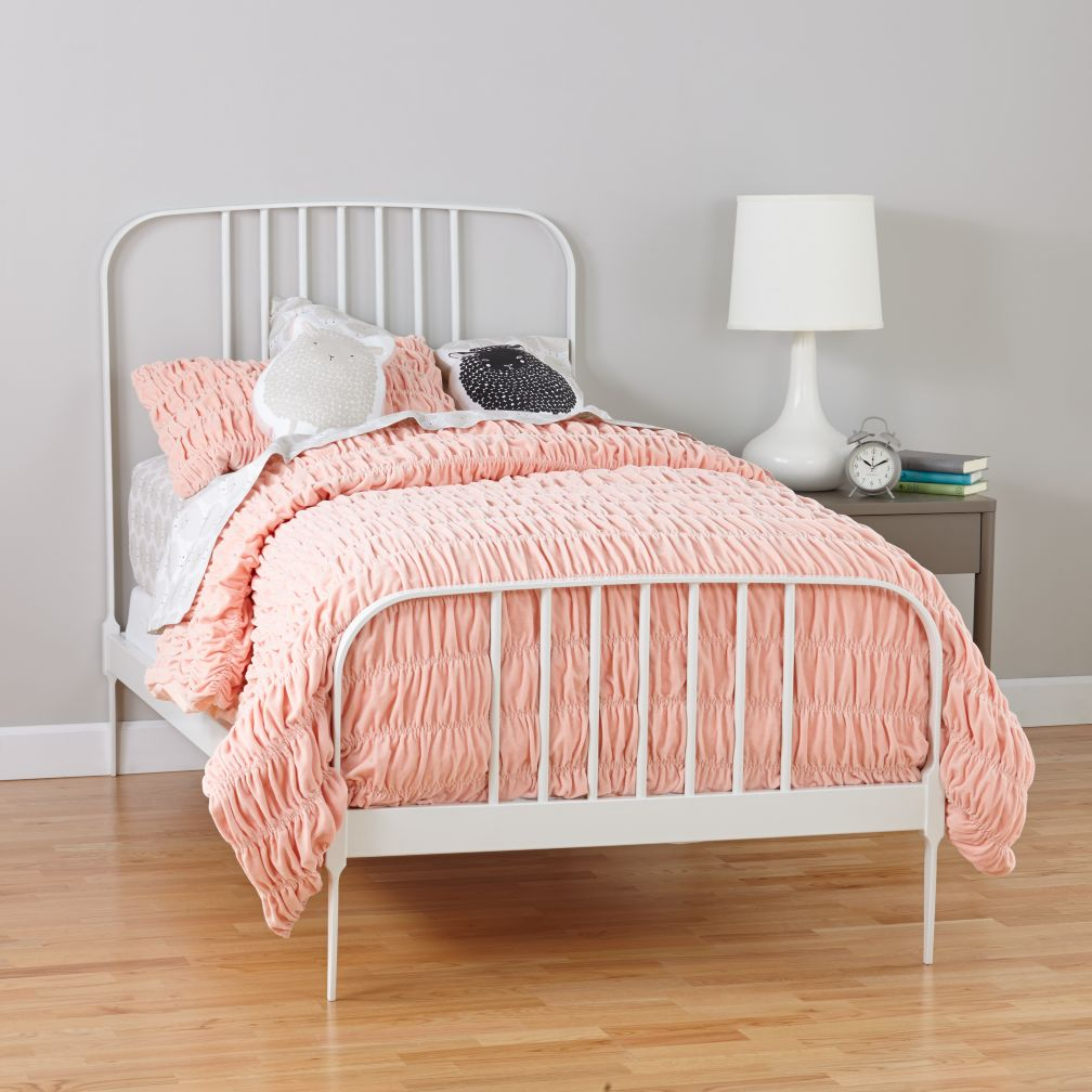Larkin Metal Bed (White)