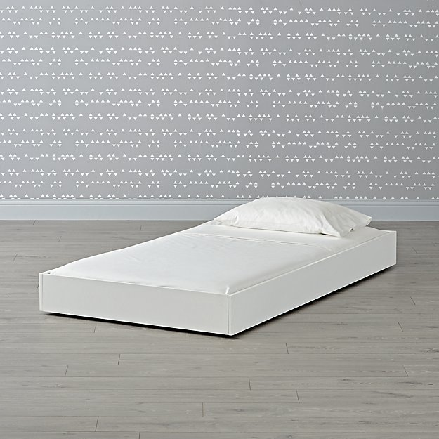 Wrightwood White Trundle Bed