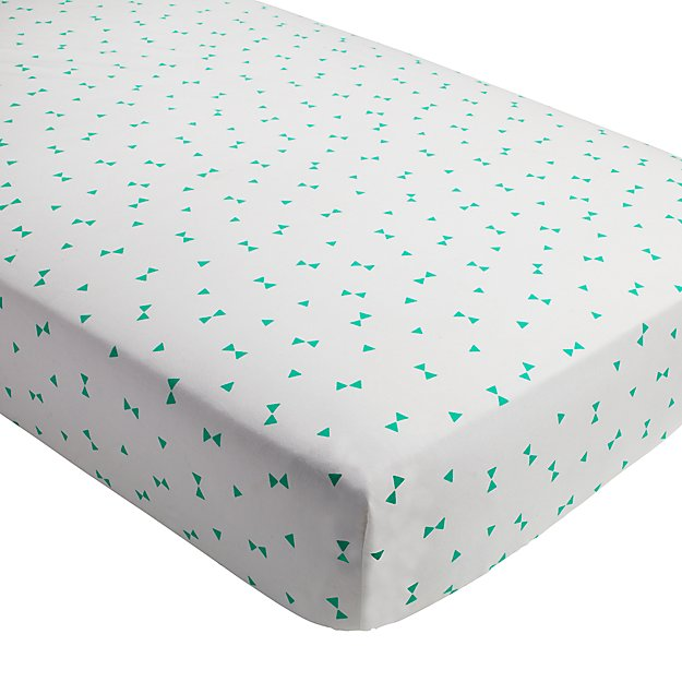 Go Lightly Crib Fitted Sheet (Mint Triangle)