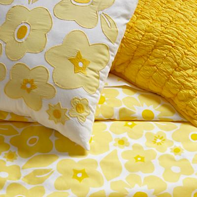 Bedding_CR_Go_Lightly_YE_Details_V3