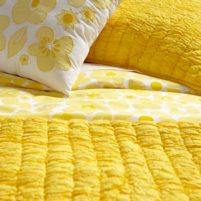 Bedding_CR_Go_Lightly_YE_Details_V5