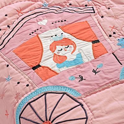 Bedding_CR_TD_Far_Far_Away_Details_V1