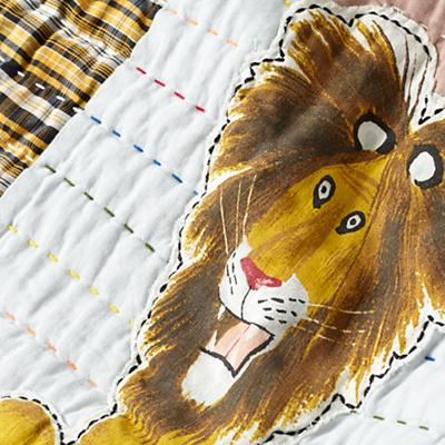 Bedding_CR_Tawny_Lion_Group_Detail_v5