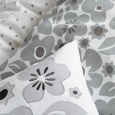 Bedding_Go_Lightly_GY_Details_V1