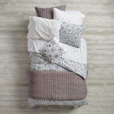 Bedding_Go_Lightly_GY_Group_V1