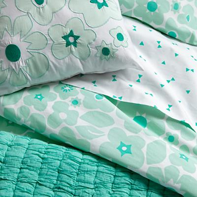 Bedding_Go_Lightly_MI_Details_V1