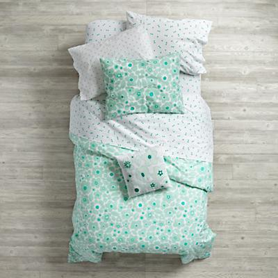 Bedding_Go_Lightly_MI_Group_V1