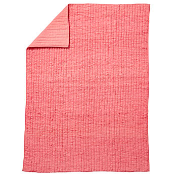 Full-Queen Go Lightly Quilt (Pink)