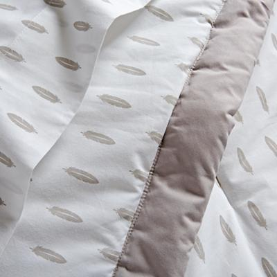 Bedding_Iconic_Feather_DK_Details_V6
