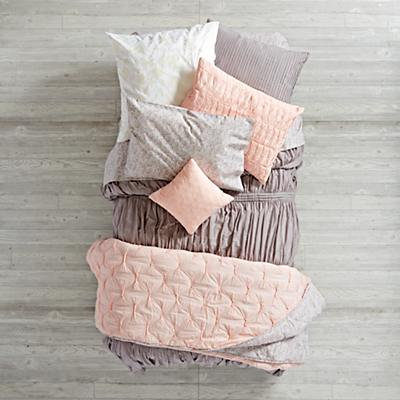 Bedding_Modern_Chic_GY_Group_V5