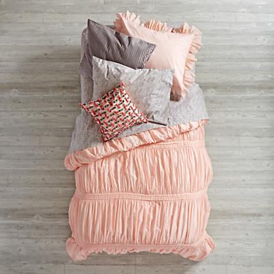 Bedding_Modern_Chic_PI_GY_Group_V1