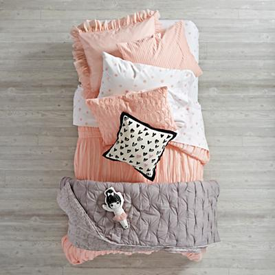 Bedding_Modern_Chic_PI_Group_V1