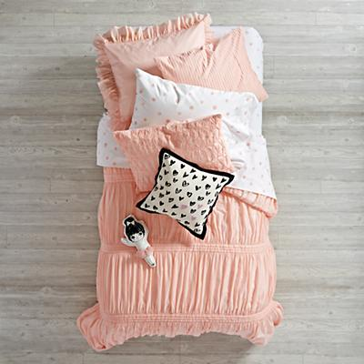 Bedding_Modern_Chic_PI_Group_V2