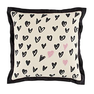 Bedding_Pillow_Heart_Sketch_LL