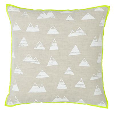 Bedding_Pillow_Mountains_WH_LL
