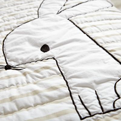 Bedding_TD_CR_Early_Edition_Bunny_Details_V4
