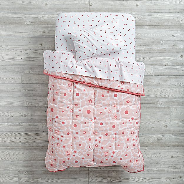Go Lightly Toddler Bedding (Pink)