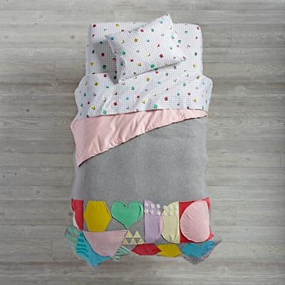 Rainbow Charm Toddler Bedding