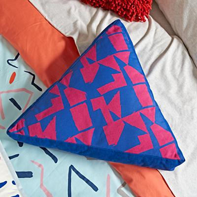 Bedding_Ticker_Tape_Duvet_Details_V13
