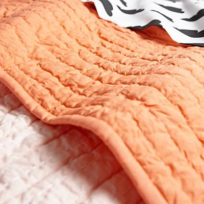 Bedding_With_Chance_Details_V10