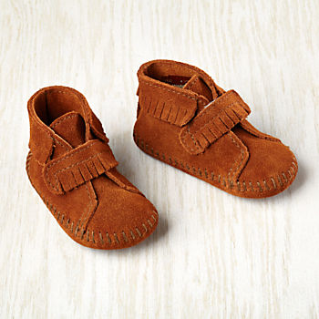 0-3 mos. Minnetonka ® Velcro ® Front Strap Bootie (Brown)