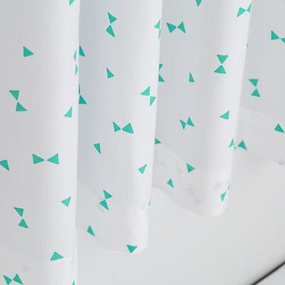 Curtain_Go_Lightly_GR_Triangle_Detail_1