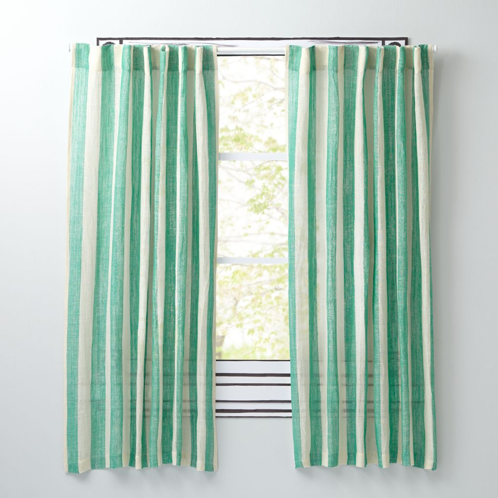 Line Up Green Curtains