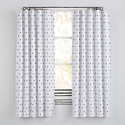 Curtain_Little_Prints_Triangle_BL_V1