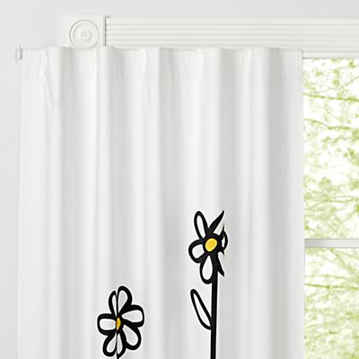 Curtain_Panel_Blackout_Daisy_White_v2