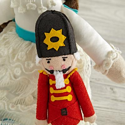 Doll_Wee_Wonderful_Set_Clara_Nutcracker_Detail_V1