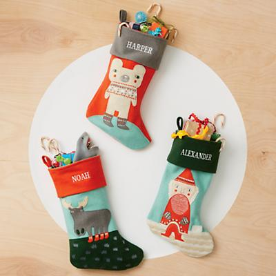 F9928_SP19_Holiday_Helper_Stockings