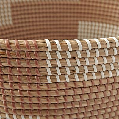 Floor_Basket_Merchant_Rose_Gold_Detail