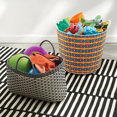G3638_SP9_Outdoor_Baskets_B