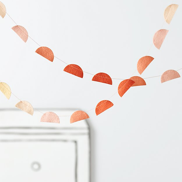 Half Dot Garland (Peach)