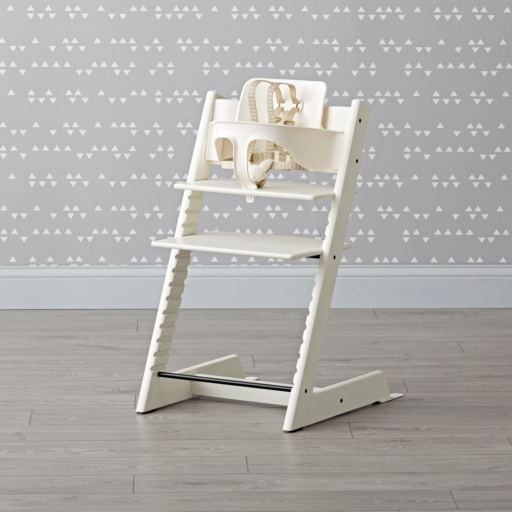 White stokke tripp trapp chair baby set the land of nod for Cinture stokke tripp trapp