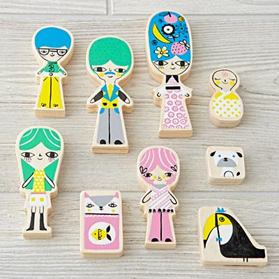 A-Frame Dollhouse Family (Set of 9)