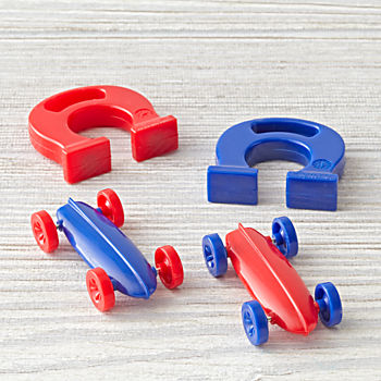 Magnetic Racer (Color Varies)