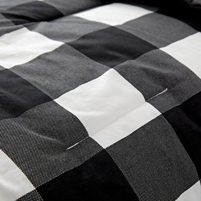Kids_Bedding_Comforter_Buffalo_Check_Black_Details_v06
