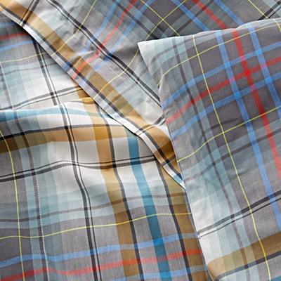 Kids_Bedding_Plaid_University_Details_v11