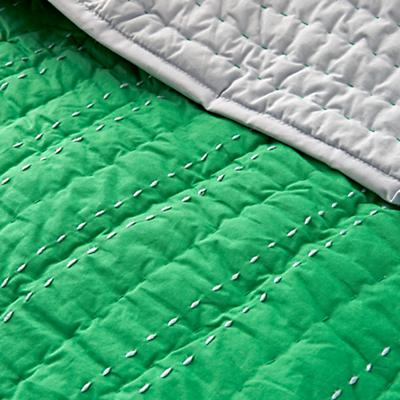 Kids_Bedding_Stitched_Moving_Blanket_Green_Details_v2