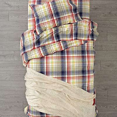 Kids_Flannel_Bedding_Plaid_White_Girl_SP