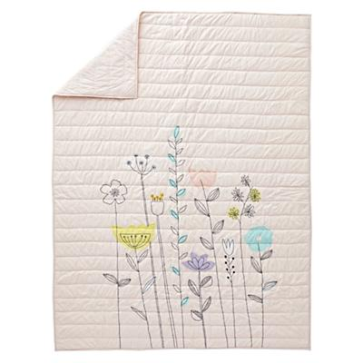 Kids_Quilt_Floral_Suite_Light_Pink_Silo