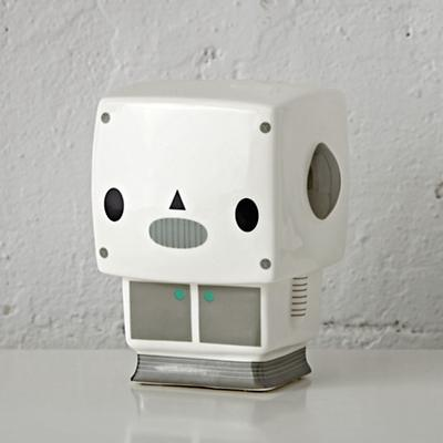 Nightlight_Bedtime_Buddy_Robot_OFF_r