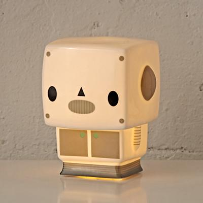 Nightlight_Bedtime_Buddy_Robot_ON_r