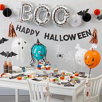 Party_Halloween_2017_Group
