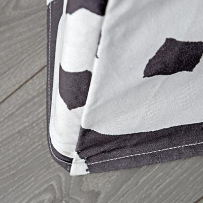 Playhouse_Large_Grey_Abstract_Teepee_Details_V9